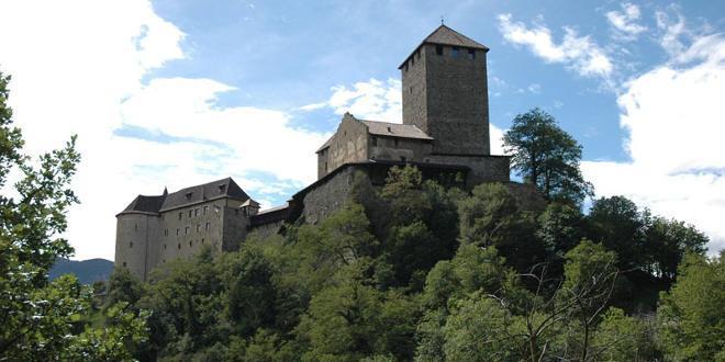 includes/images/header/zellamsee/4e-2005-SchlossTirol-DSC_0260.jpg