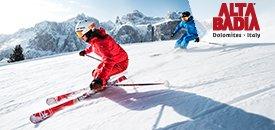 Skifahren im März in den Dolomiten